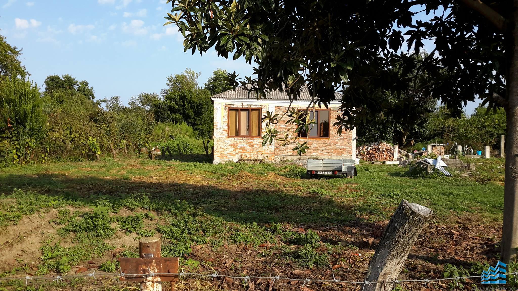 Бельэтажный дом в селе Уарча.