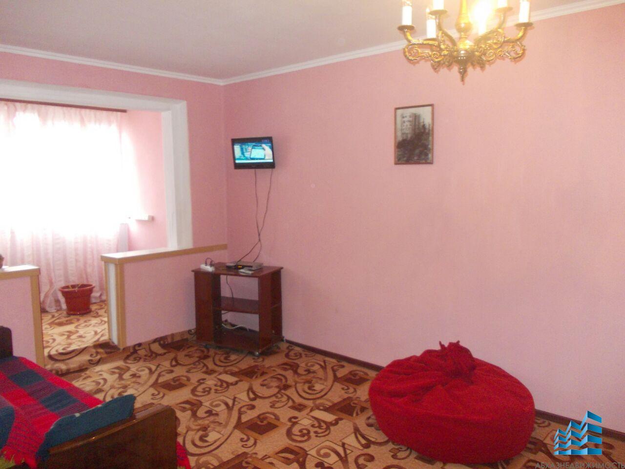 2-комнатная квартира в центре Гагры в аренду