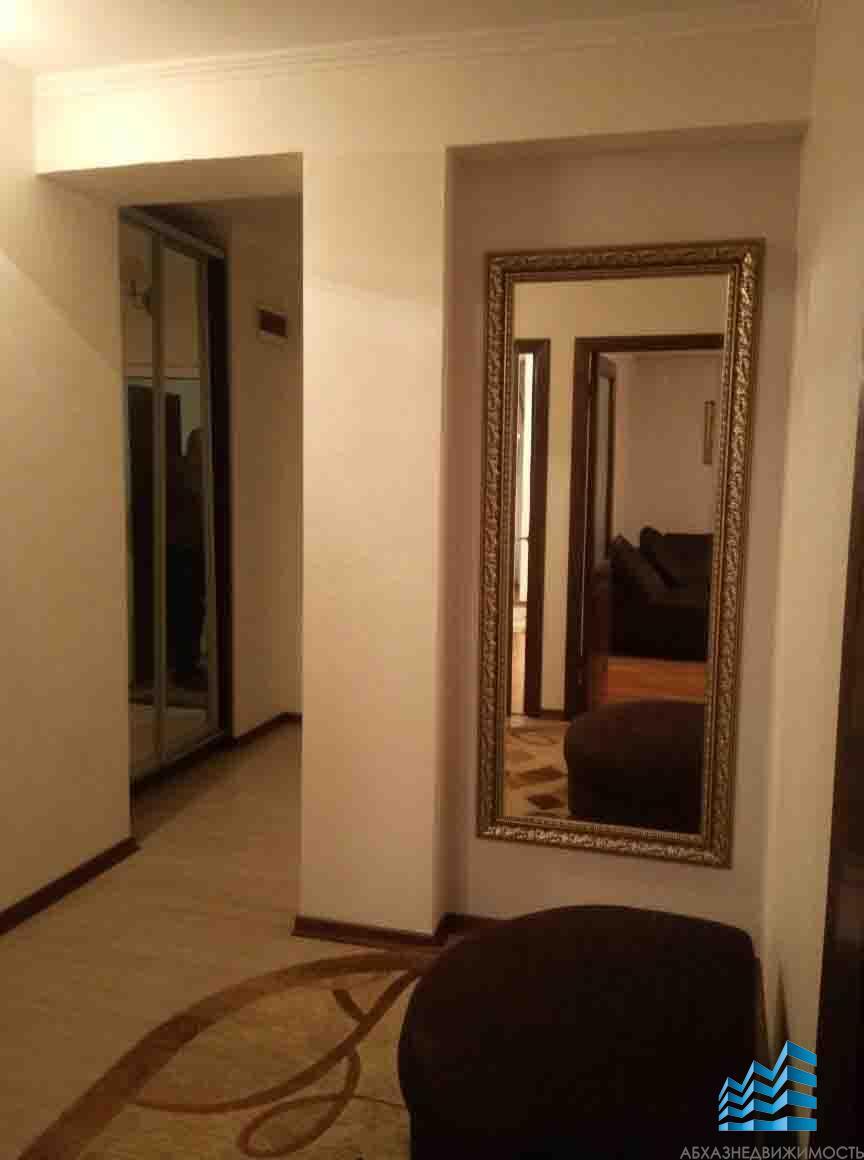 2-комнатная квартира с новым ремонтом в центре Гагры.