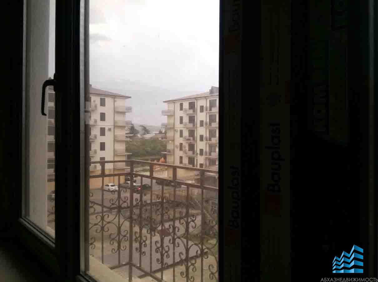 Квартира в новостройке в центре Сухума у моря.