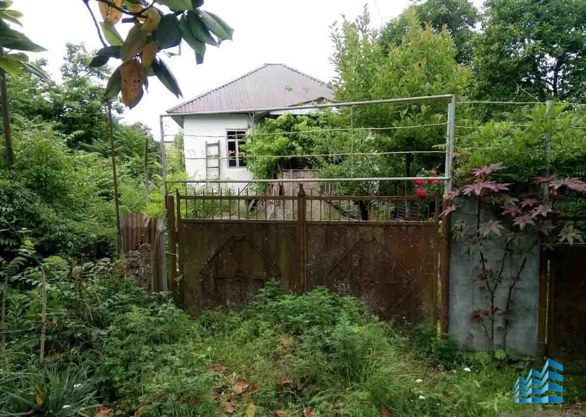 12 соток с домом в начале Маяка с богатым фруктовым садом