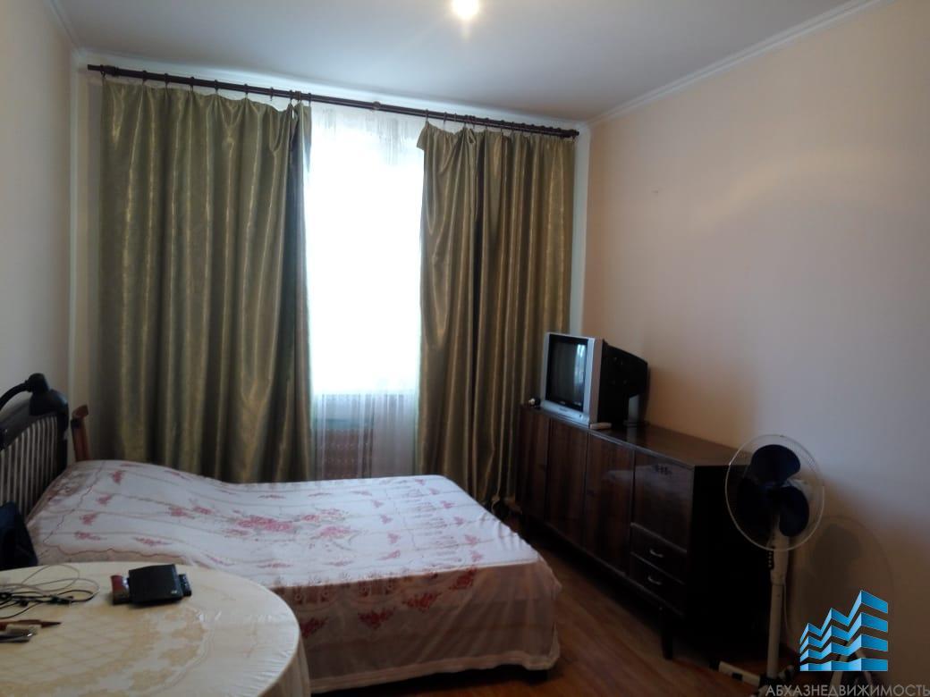 1-комнатная квартира в Сухуме в 100 м от моря