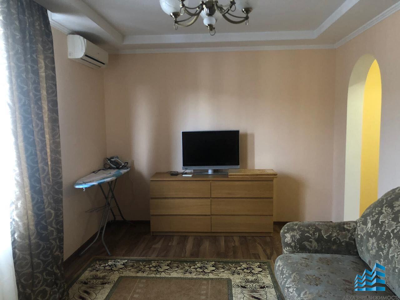2-комнатная квартира в центре Сухума на длительный срок