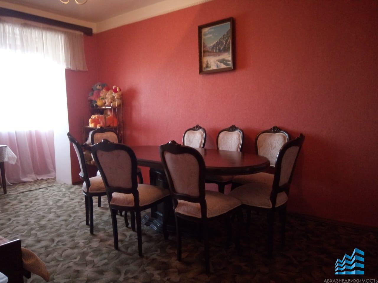 3-комнатная квартира в центре Сухума в аренду за 15 тыс.руб