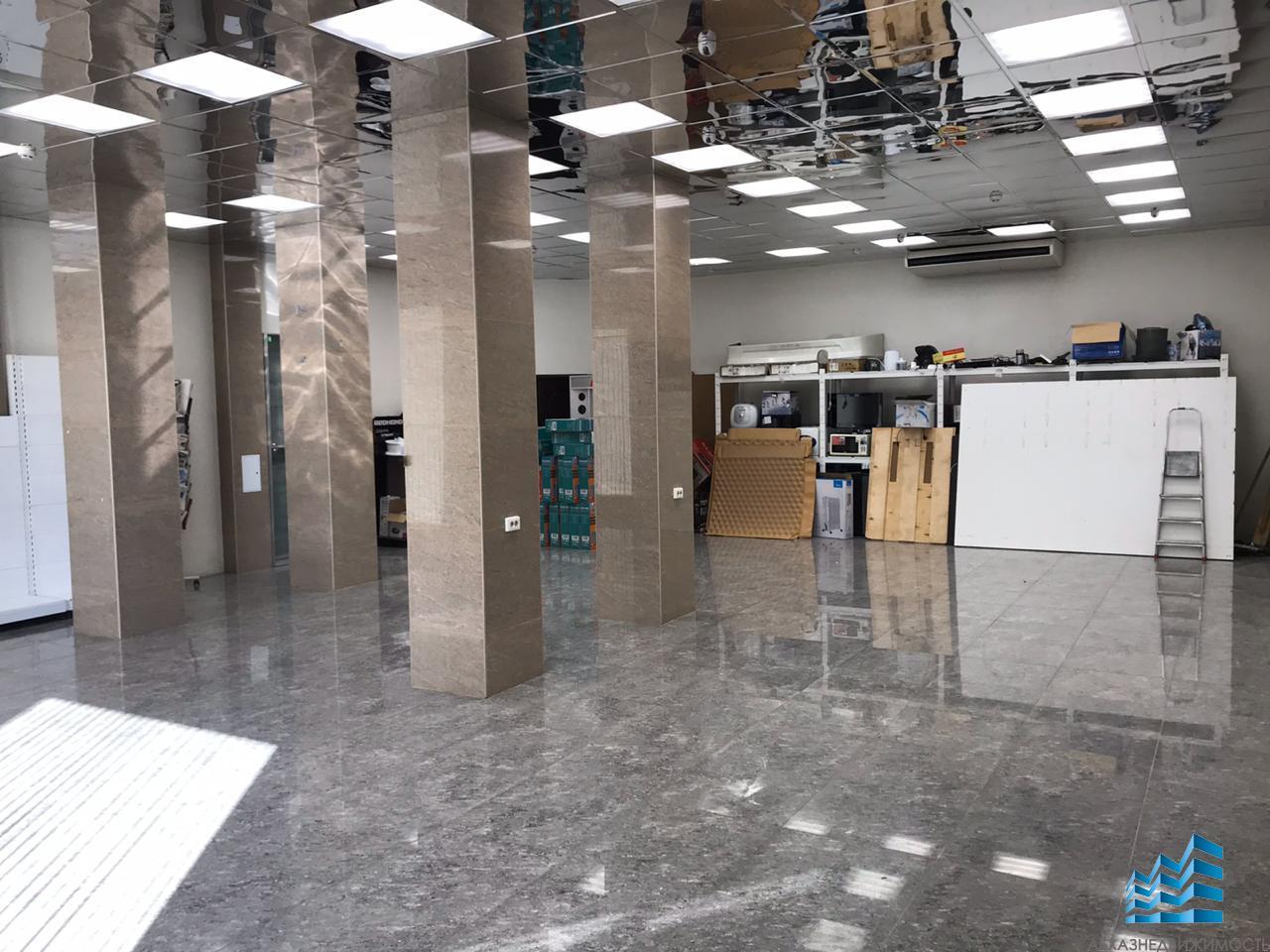 Два помещения по 120 кв.м в центре Сухума
