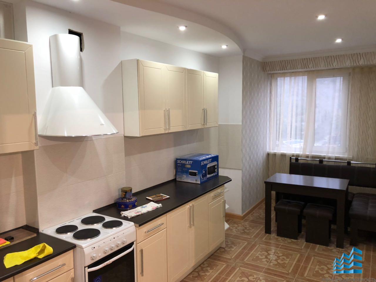 4-комнатная квартира в центре Гагры