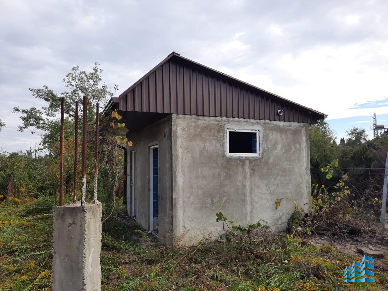 Дом в Гудауте на участке 12 соток