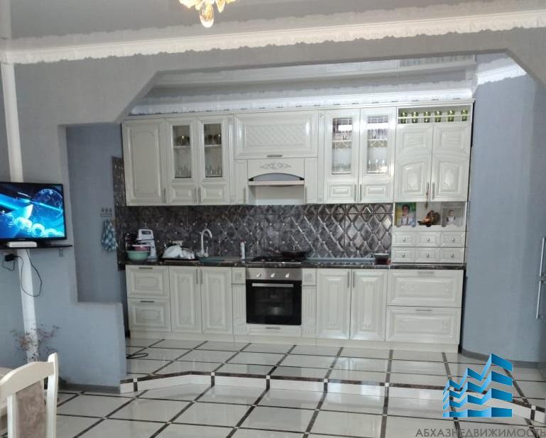 Дом с ремонтом в п.Бзыбь