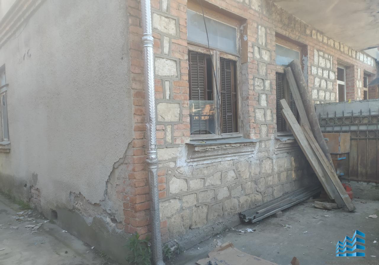 218. Продается часть дома в г.Сухум.