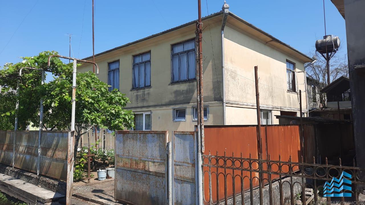 358. К продаже дом в Очамчире, площадью 218 кв.м.