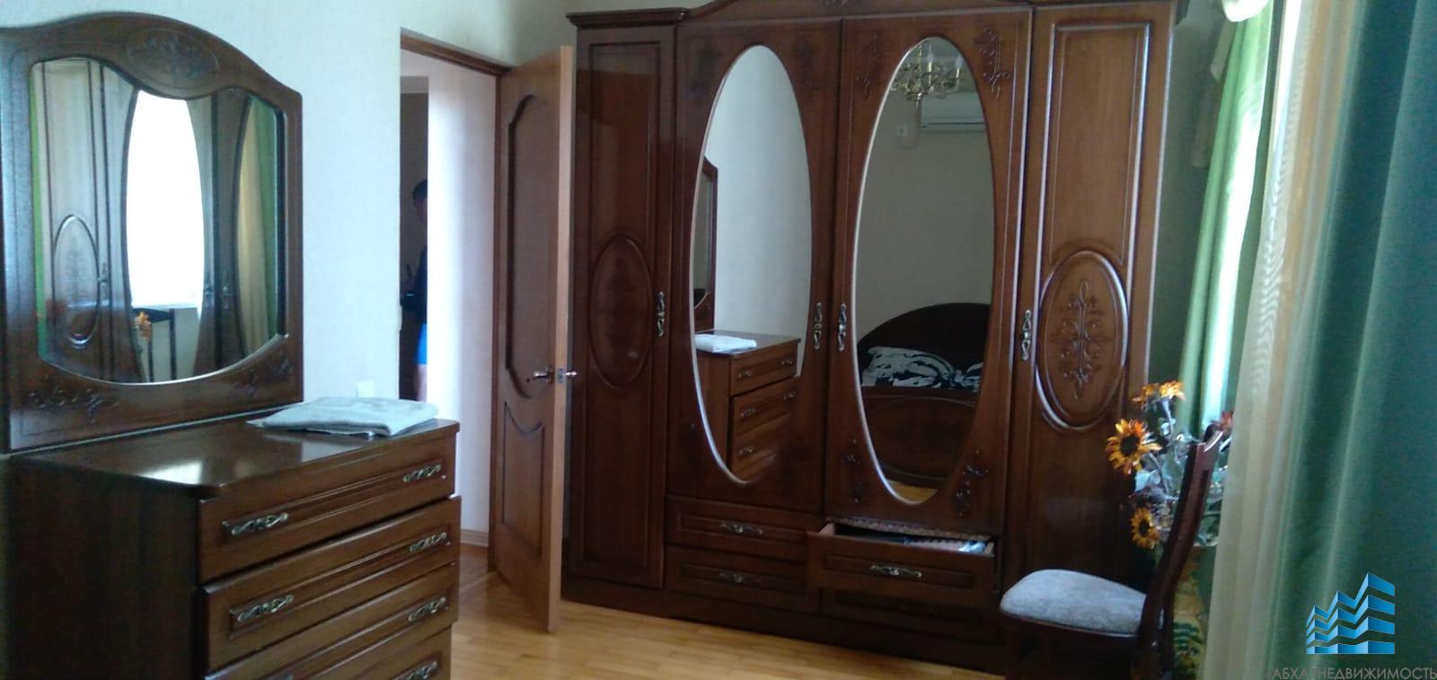 556. Квартира в Агудзере с мебелью