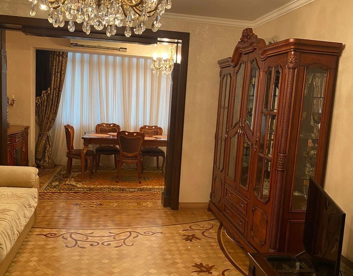 588. 3-комн. квартира в Сухуме в аренду